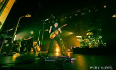 jimmy-eat-world-at-the-olympia-theatre-dublin-on-november-7th-2016-by-shaun-neary-01